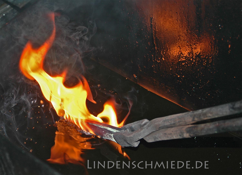 Messerklingen härten: Abschrecken der Klinge